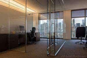 قسم زجاج مكتب واحد